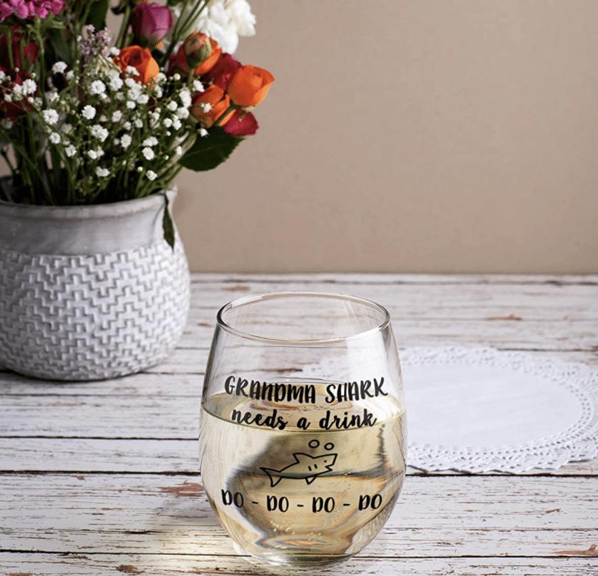 gifts-for-grandma-wine