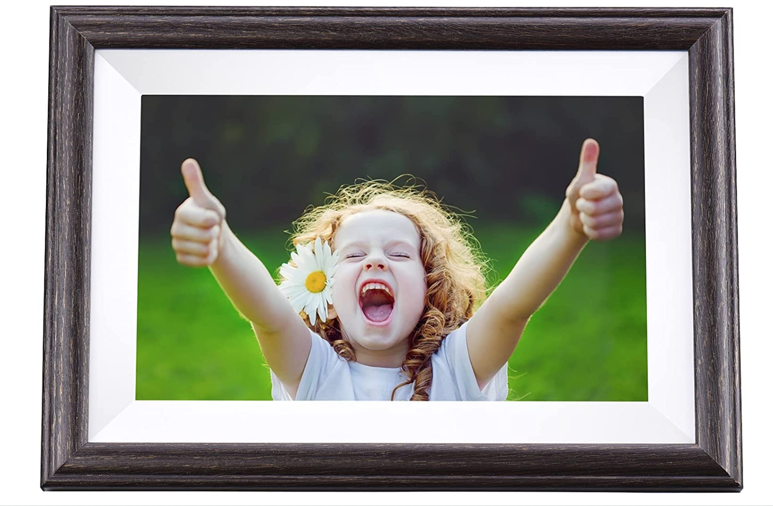 gifts-for-grandma-digital-picture-frame
