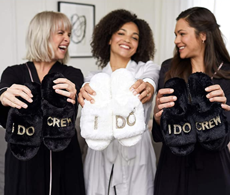 cheap-bridesmaid-gifts-slippers