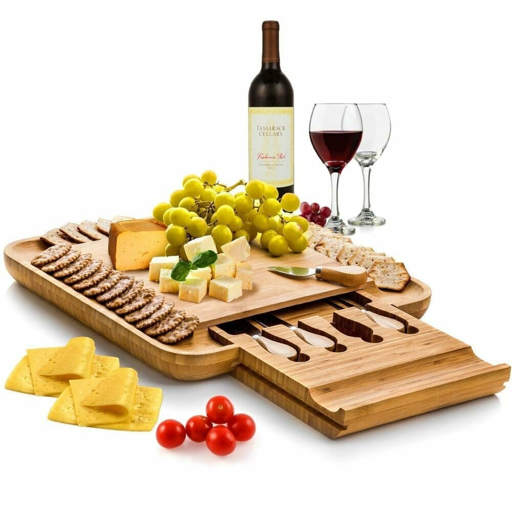 mothers-day-gift-ideas-for-mom-cheese-board