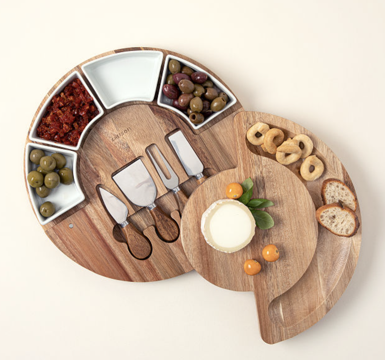 gifts-for-parents-cheeseboard