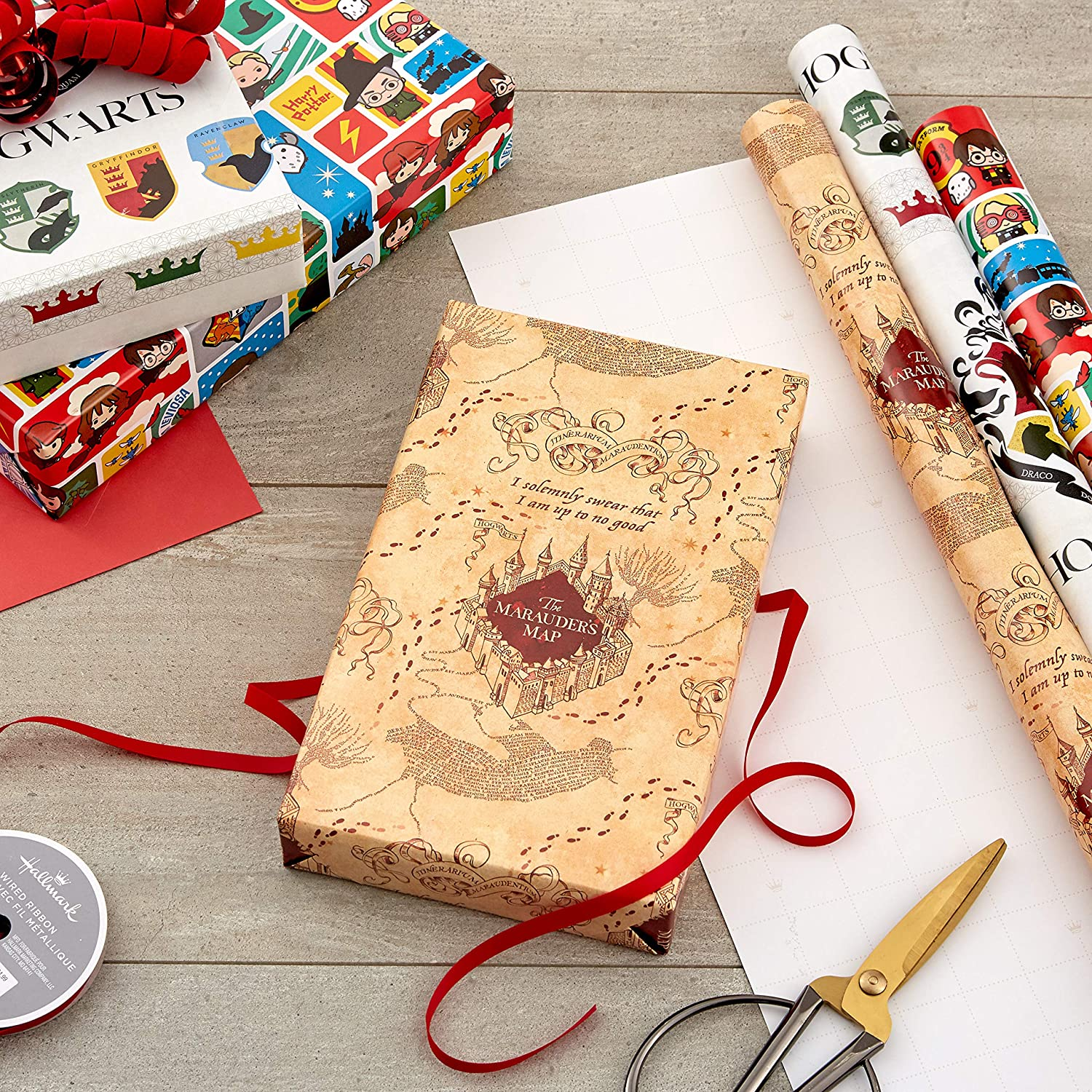 harry-potter-gifts-wrapping-paper