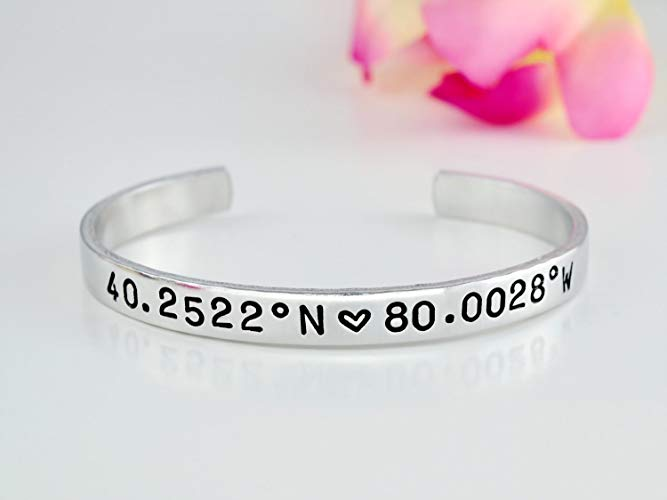 long-distance-relationship-gifts-coordinates-bracelet