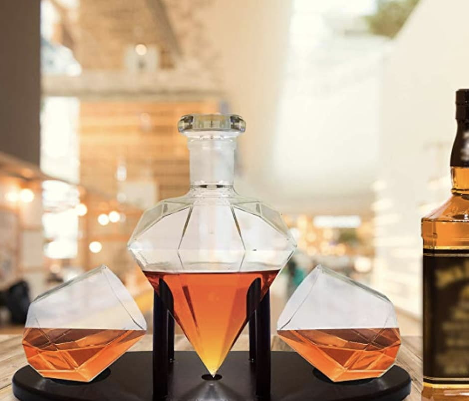 valentines-day-gifts-for-him-decanter