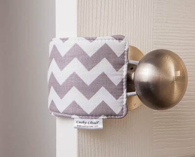 baby-gifts-door-closure