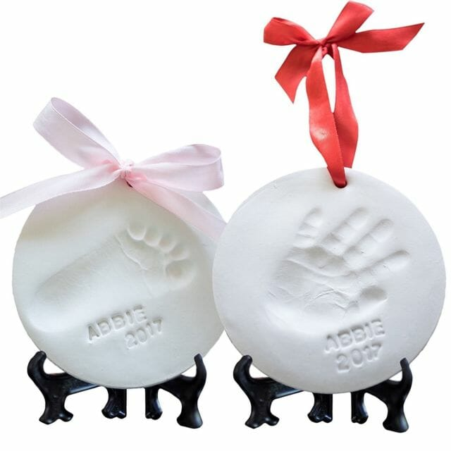 baby's-first-christmas-ornaments-handprint