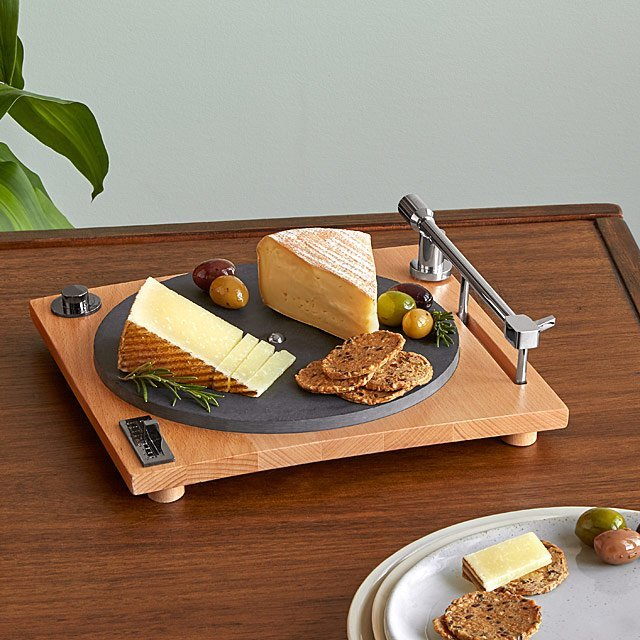 gifts-for-dad-cheese-board