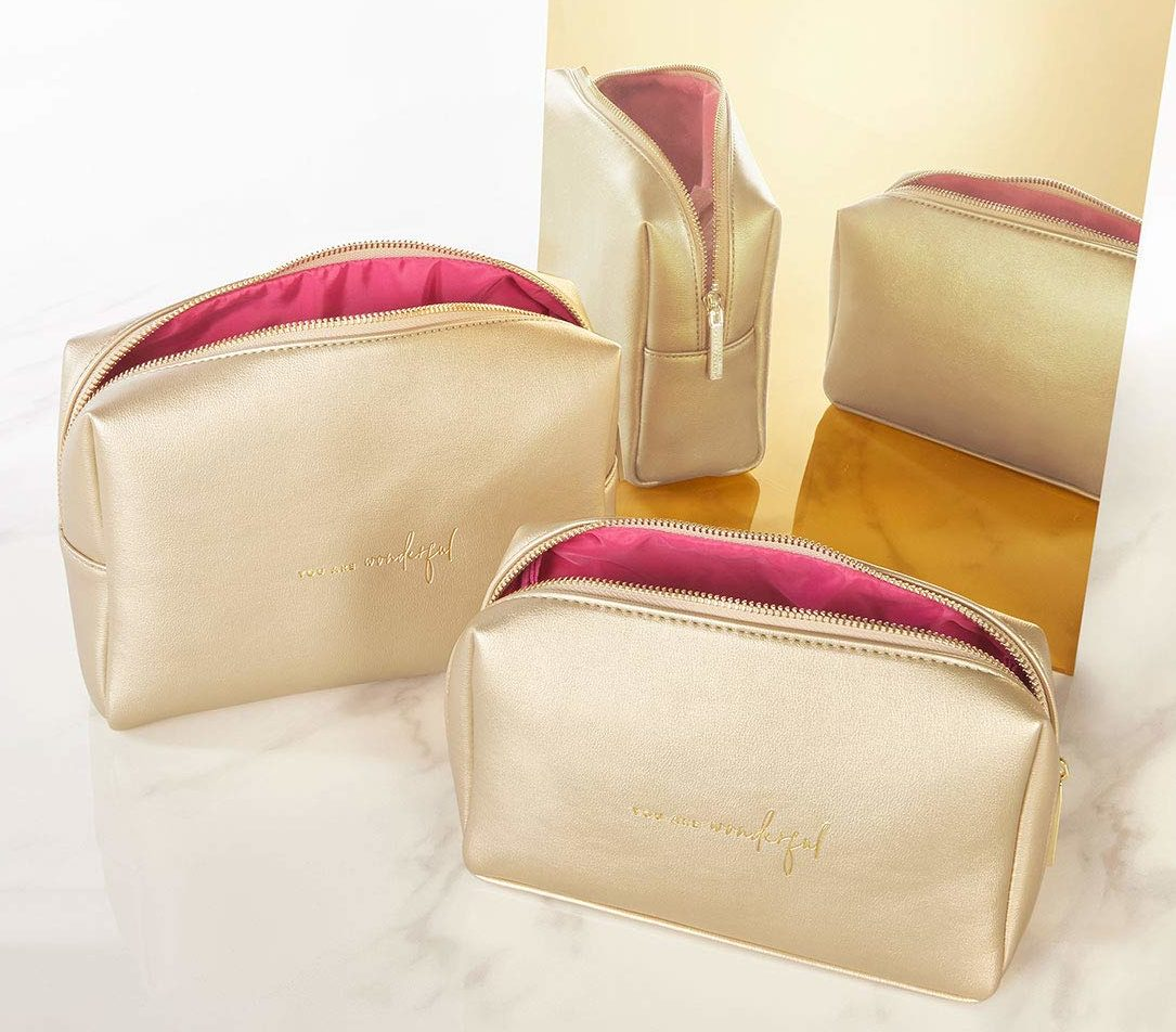 maid-of-honor-gifts-cosmetics