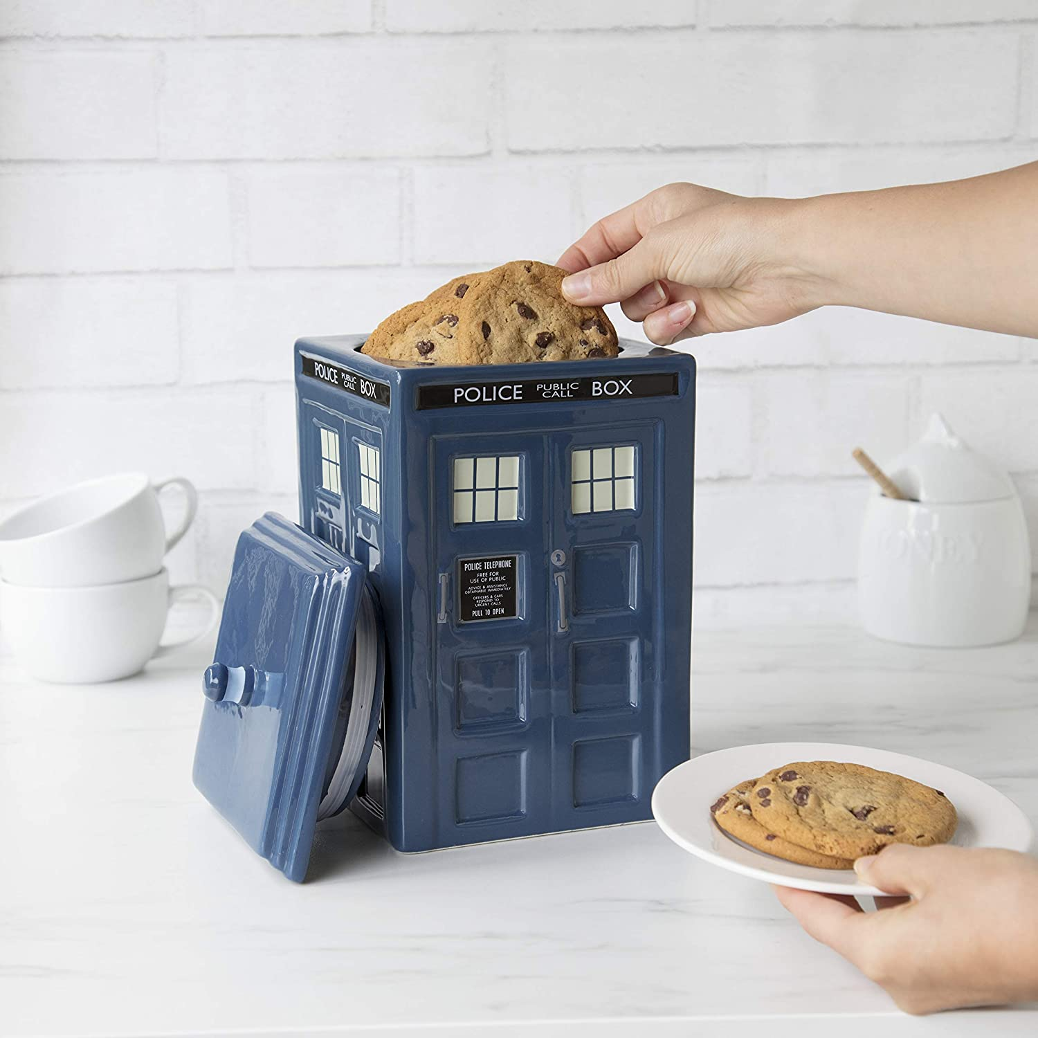 doctor-who-gifts-cookie-jar