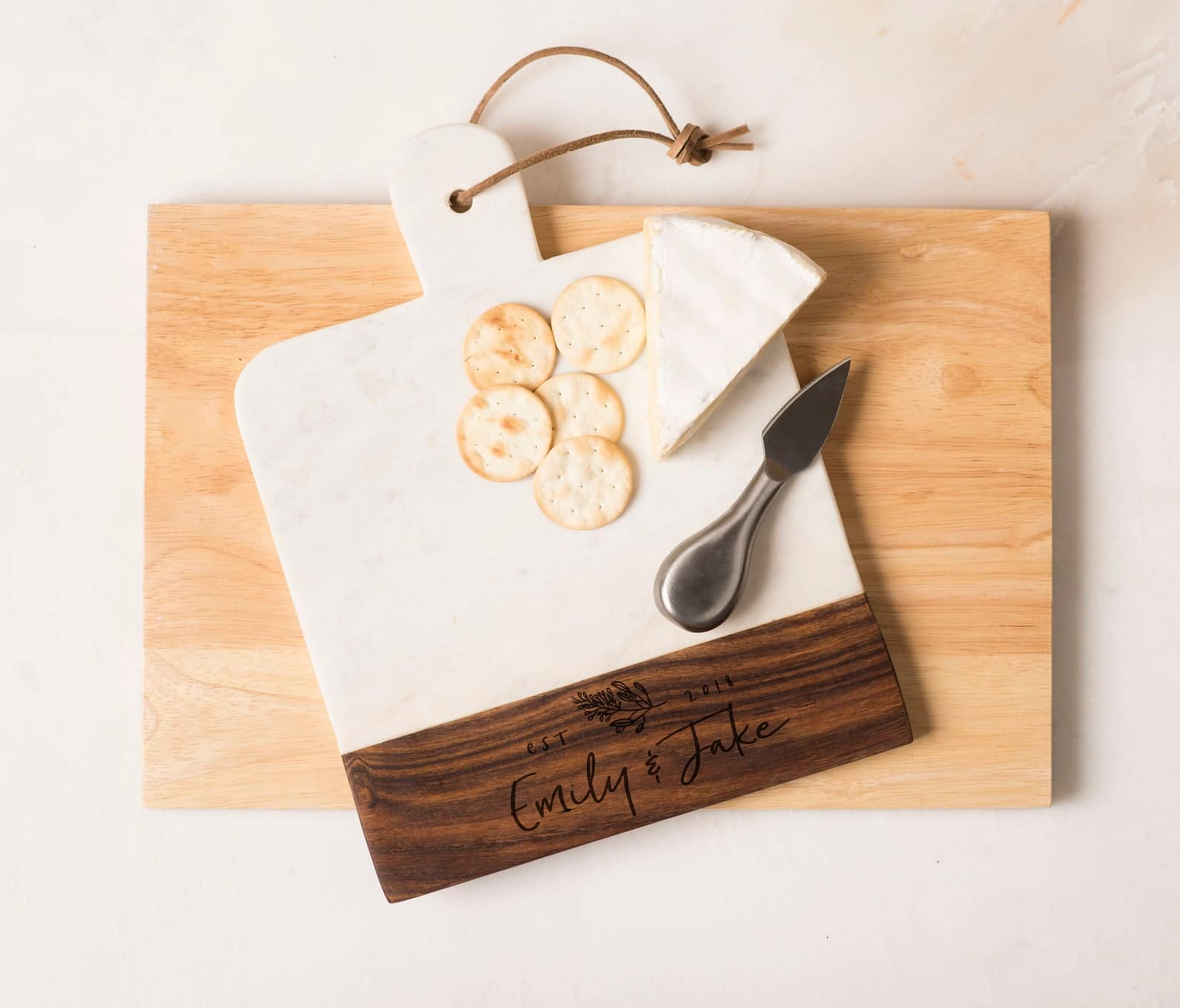 bridal-shower-gifts-cheese-board