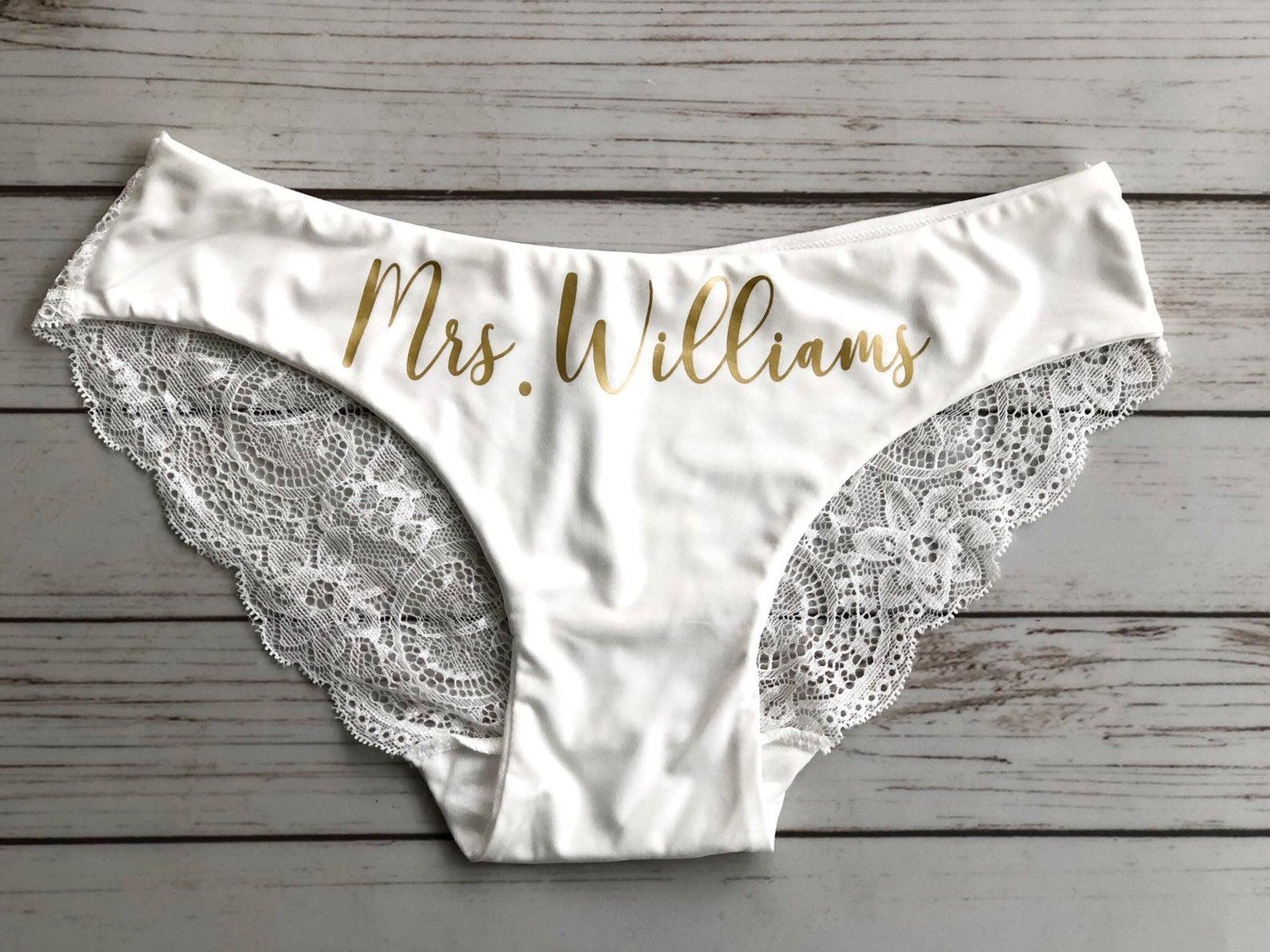 bridal-shower-gifts-bridal-underwear