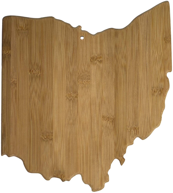 practical-housewarming-gifts-cutting-board