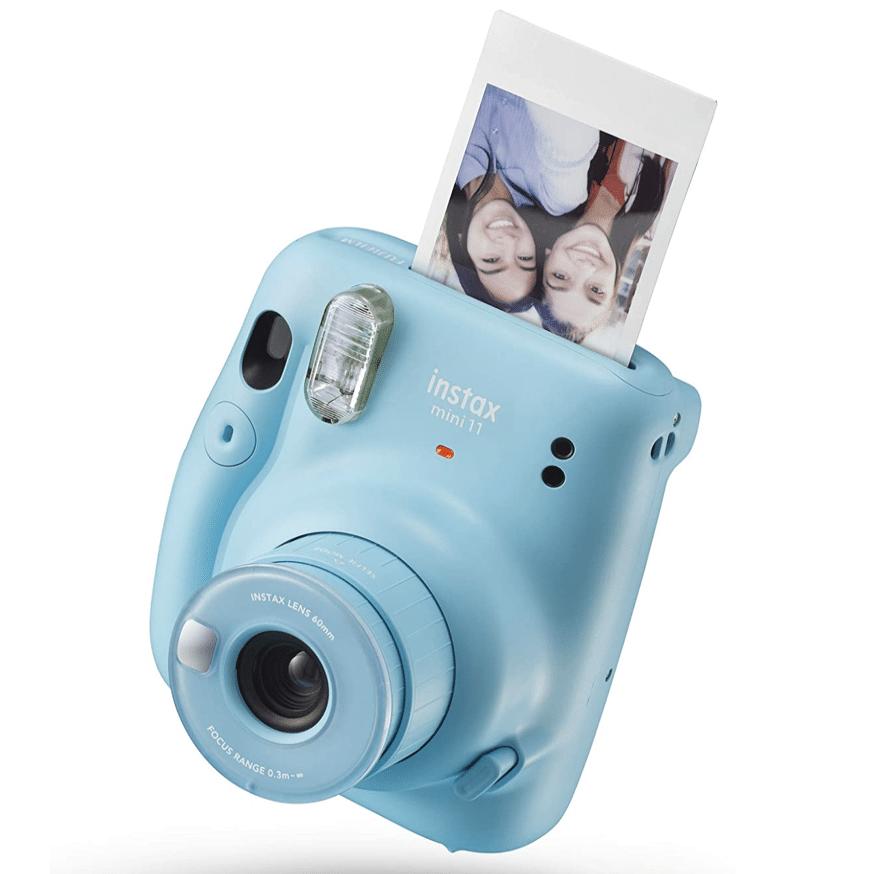 women-20s-camera