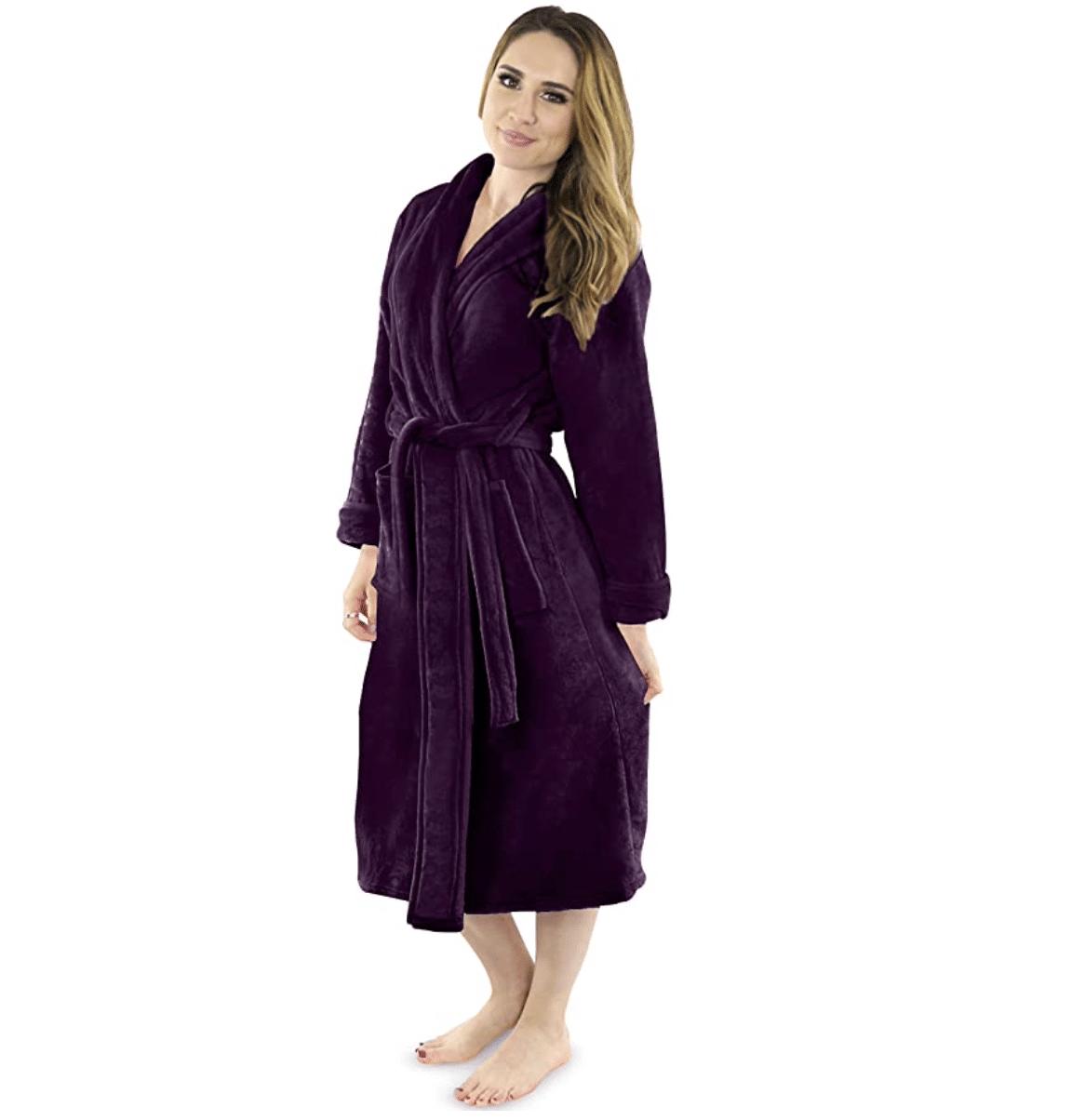 women-20s-bath-robe