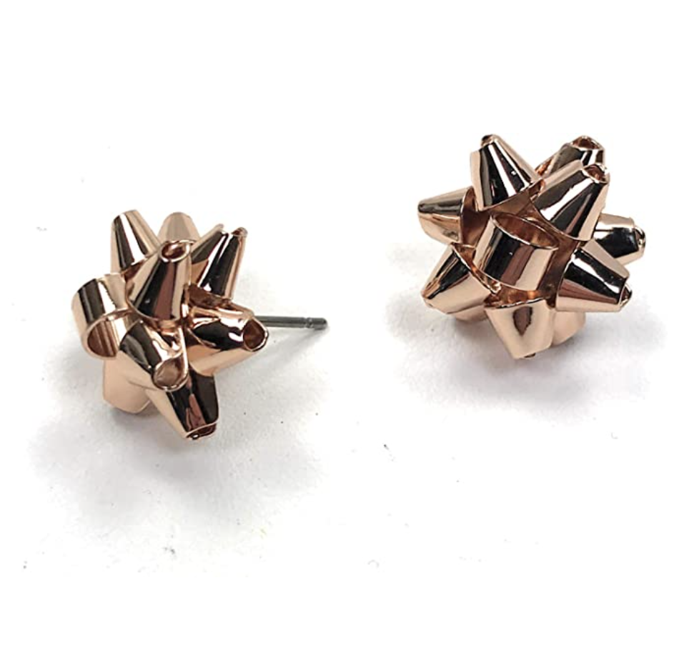 gifts-for-women-in-their-30s-earrings