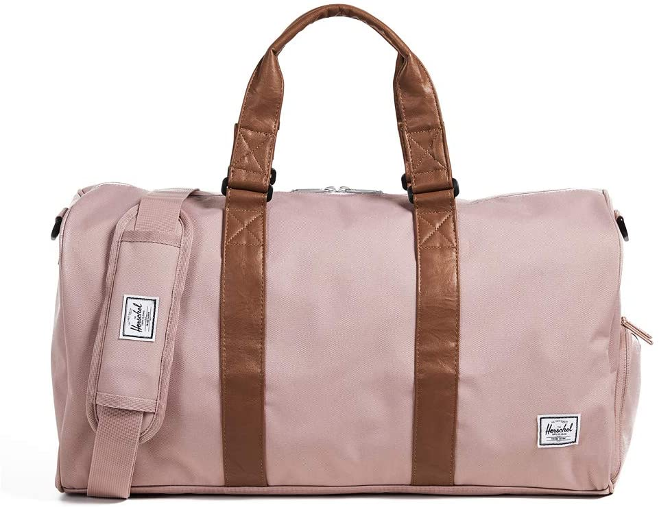 gifts-for-minimalists-duffel
