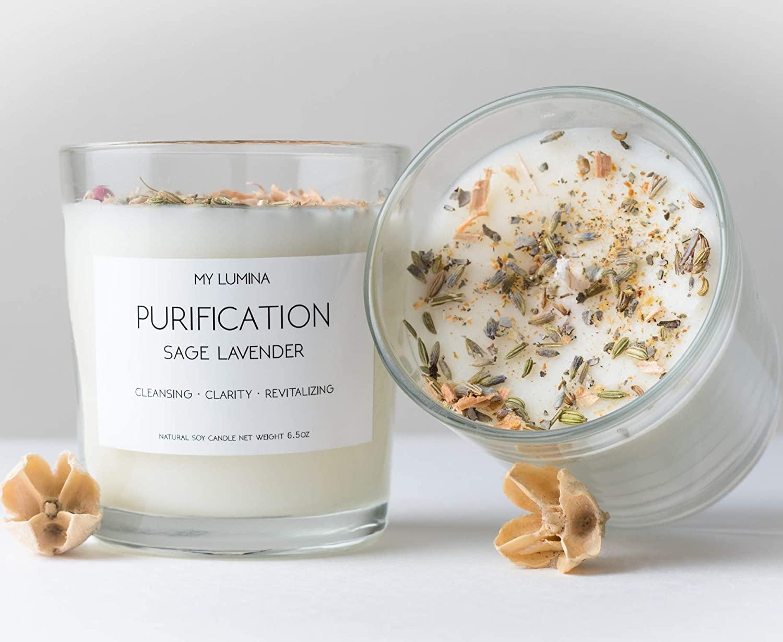 push-present-candle