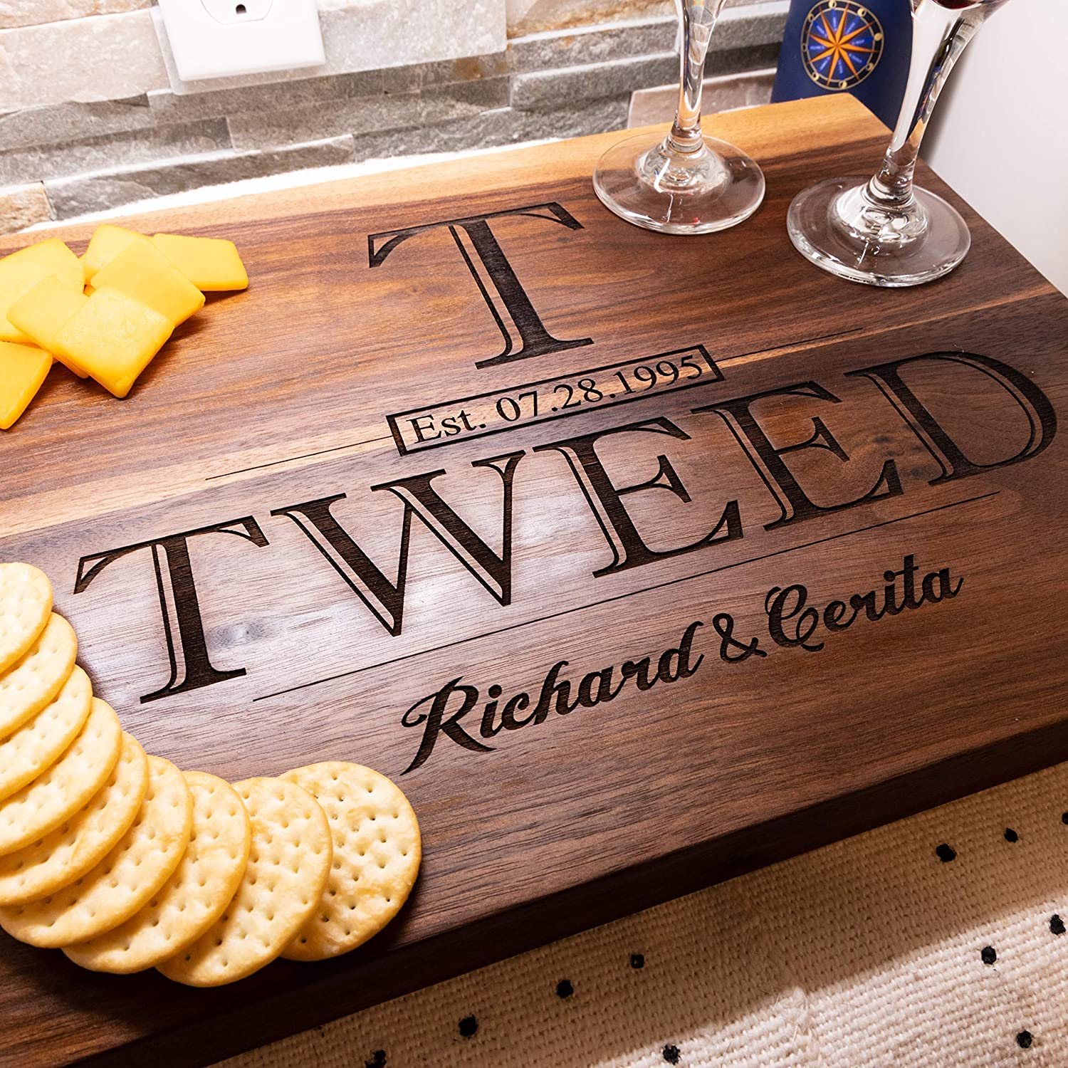 anniversary-gifts-for-parents-personalized-cutting-board