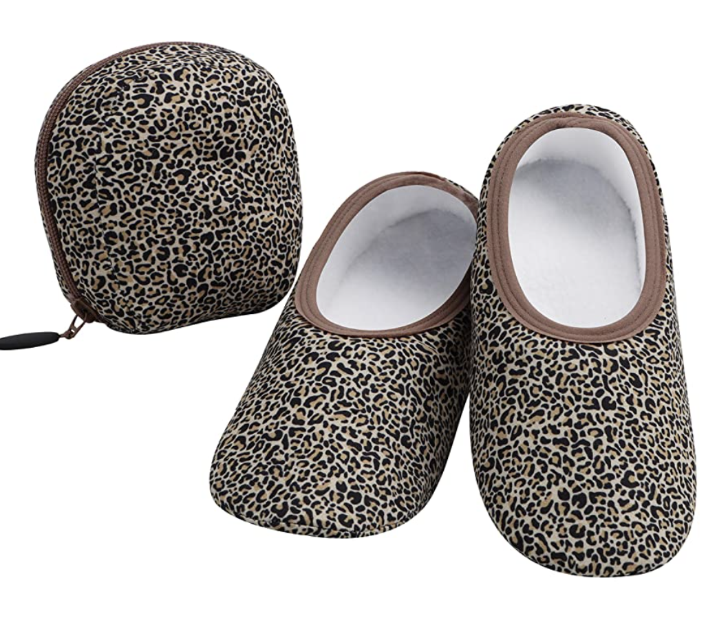 gifts-for-travelers-slippers