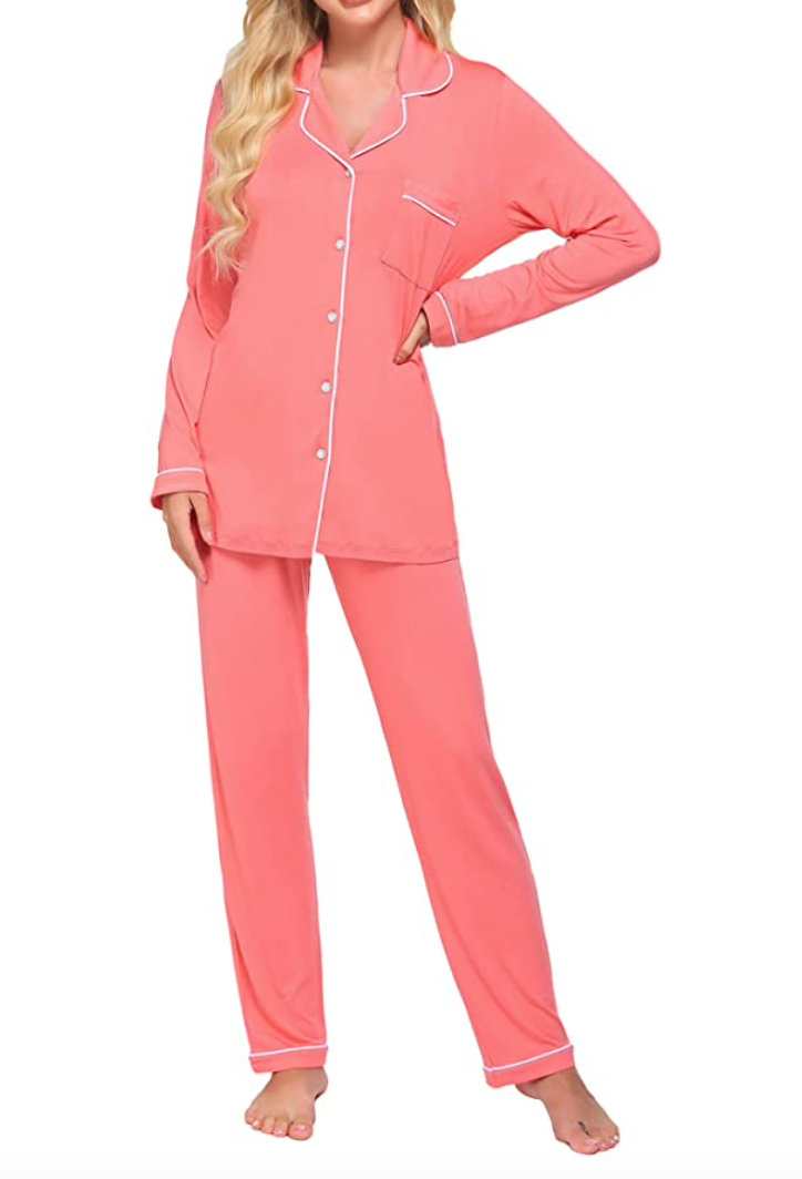 gifts-for-elderly-women-pajama-set