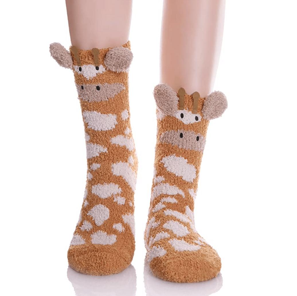giraffe-gifts-fuzzy-socks