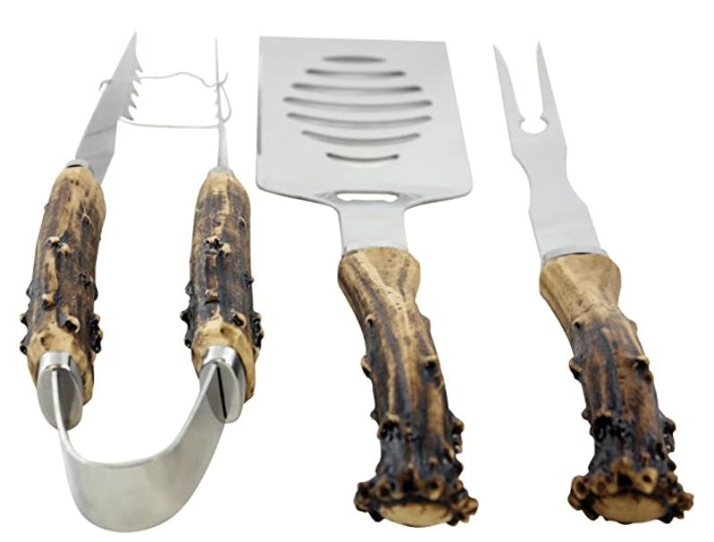 gifts-for-hunters-antler-handle-grilling-set