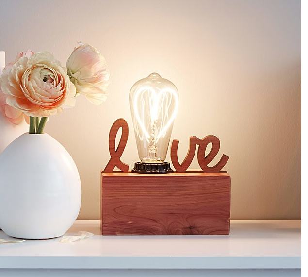 romantic-gifts-for-her-lamp