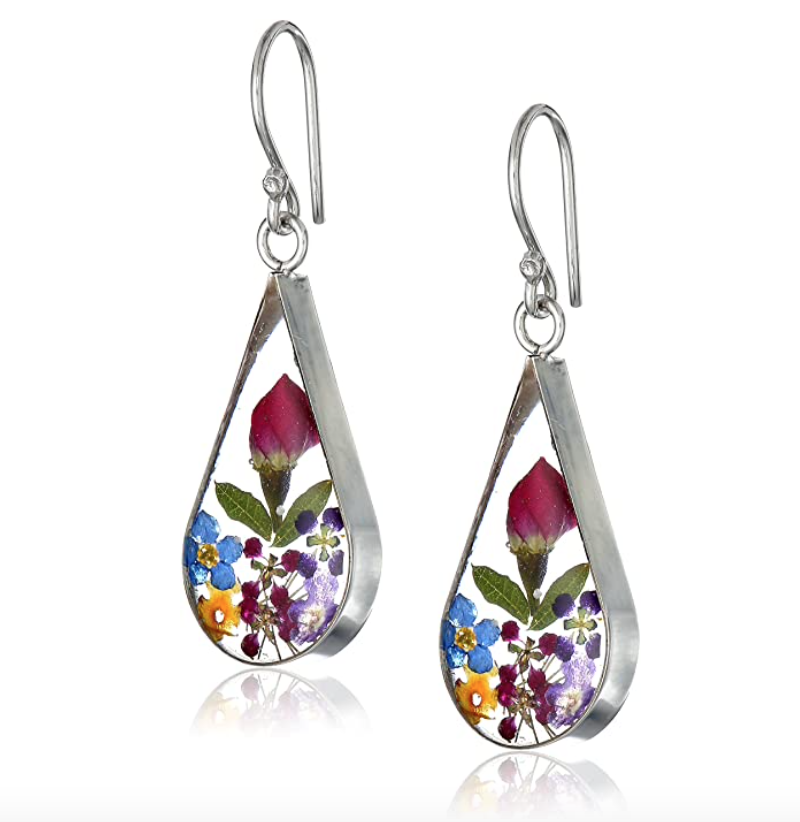 gifts-for-mom-from-daughter-pressed-flower-earrings