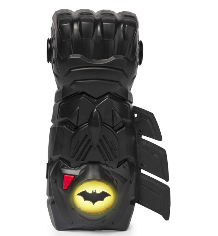 batman-gifts-interactive-gauntlet