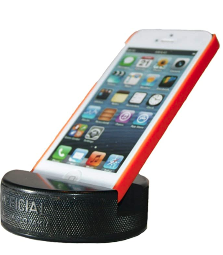 hockey-gifts-puck-iphone-holder