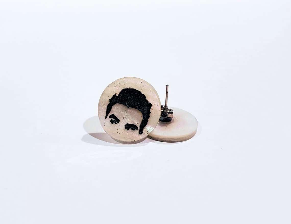schitts-creek-gifts-david-earrings