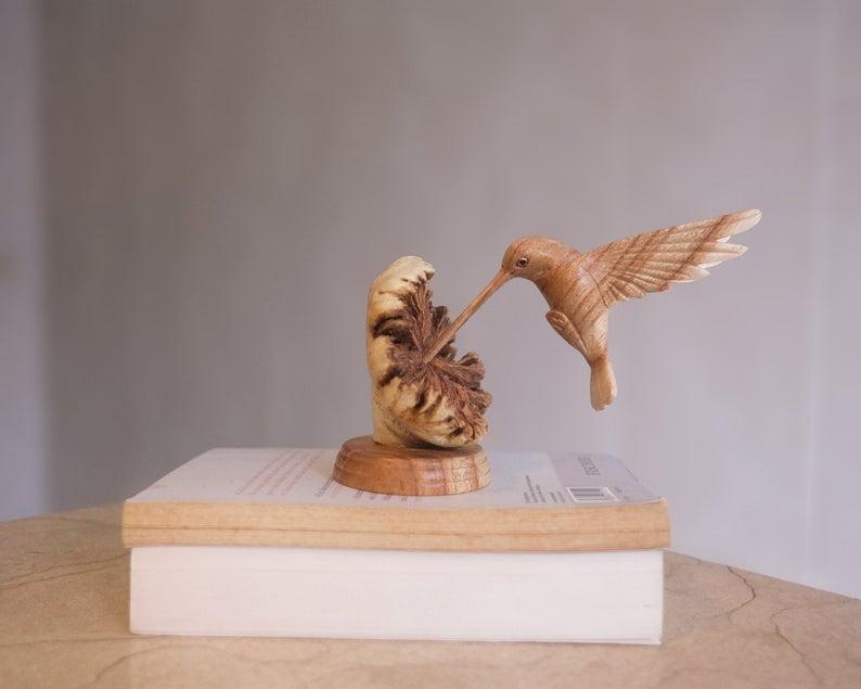 hummingbird-gifts-carving
