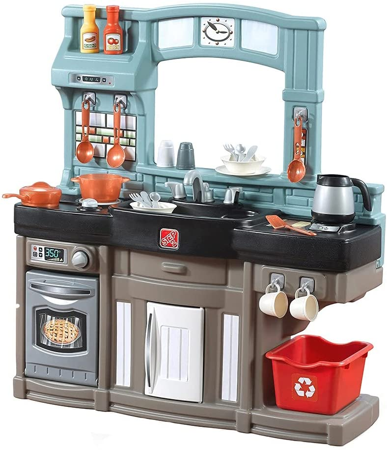 2-year-old-girls-play-kitchen-set
