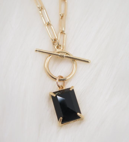 gifts-for-7th-anniversary-onyx-necklace