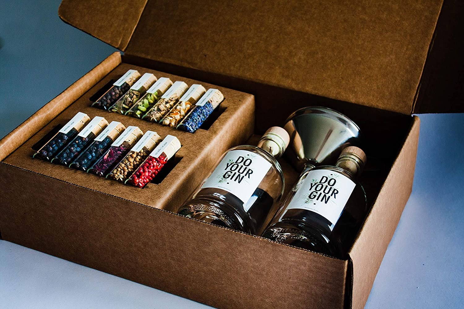 gifts-for-couples-gin-making