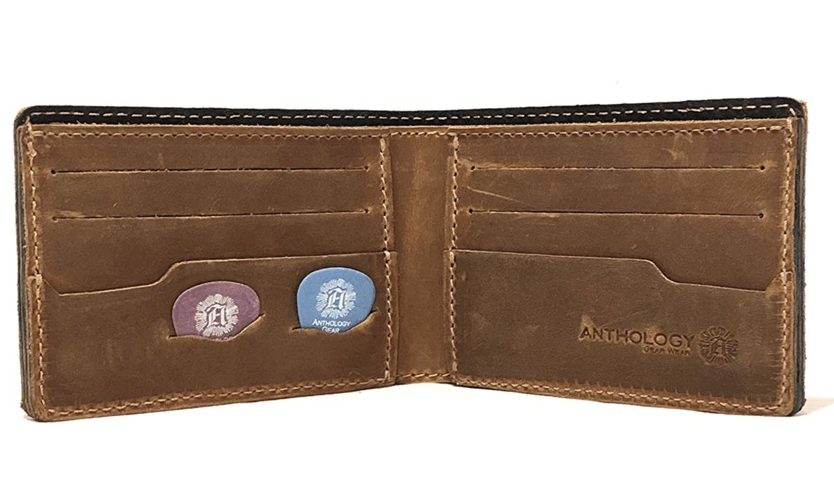 guitar-gifts-guitar-pick-wallet